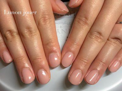平成最後の桜とちゅるんとした透明感のある指先